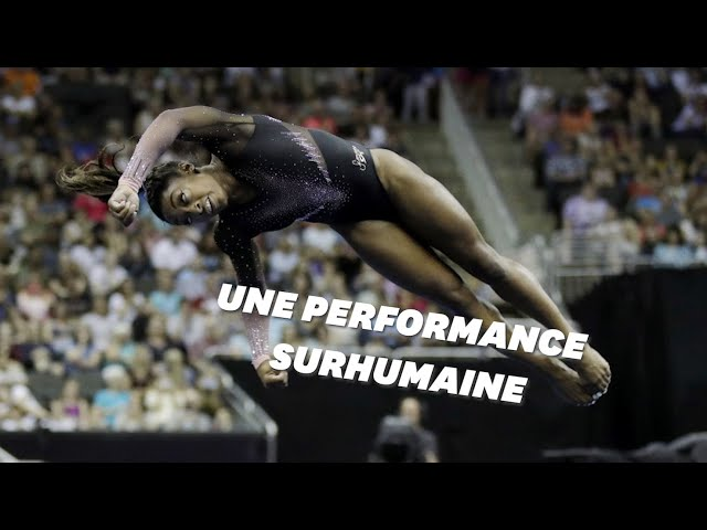 La gymnaste Simone Biles réalise au sol une figure inédite