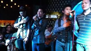 MTV hát Quốc ca tại Acoustic Bar