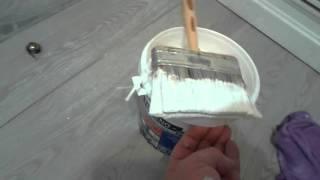 Cómo pegar papel pintado sobre azulejo