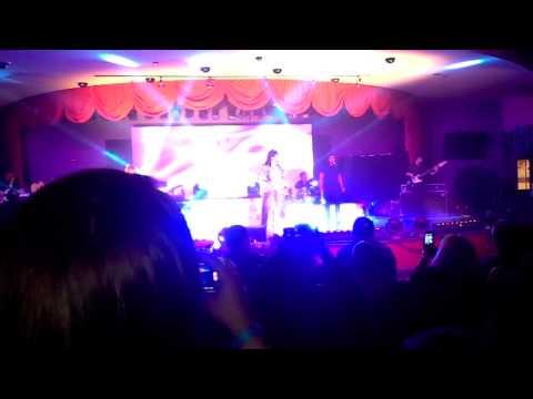 Gloria Trevi en Tachi Palace Casino Fresno Ca.
