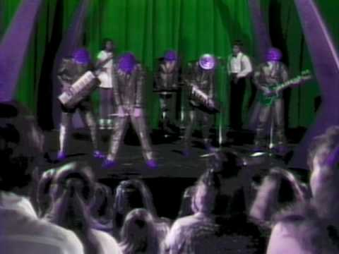 Devo - Girl U Want (Video)