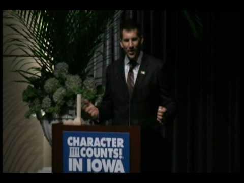 Dallas Clark Accepts 2010 Ray Award