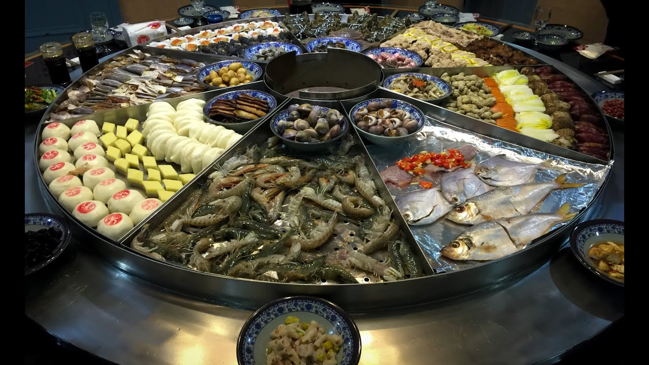 Have asian buffet food sea with