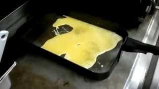 Как готовят яичницу в Макдональдс