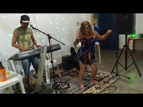 Amigos comemoram aniversário de José do Bar do Zé no Malhado 9