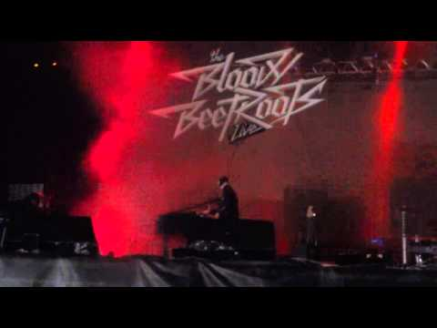 The Bloody Beetroots - Spank + Rocksteady + Mystery Meat @ Lollapalooza Argentina 2014 [ HD ]
