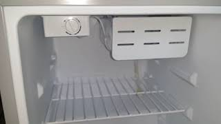 Краткий обзор Мини холодильник Бирюса м70