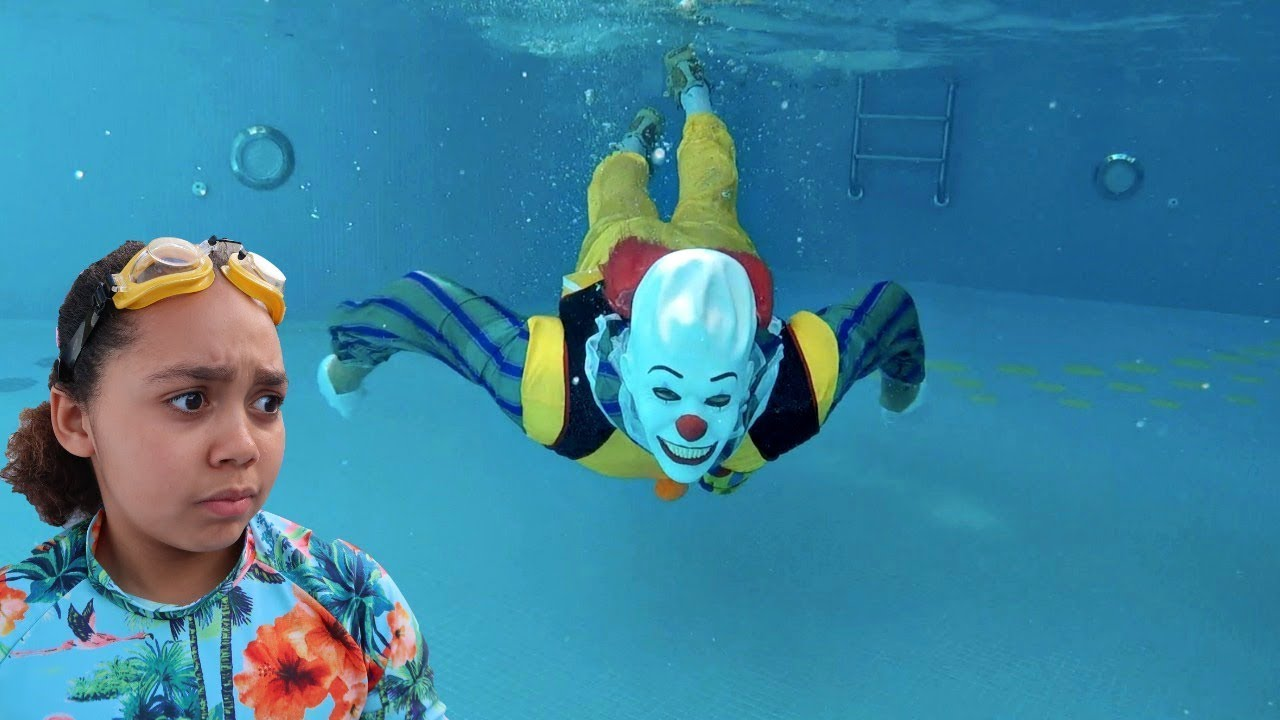 scary clown in our swimming pool youtube. Black Bedroom Furniture Sets. Home Design Ideas