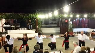 Критский вечер.  Сиртаки