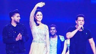 Guru  randhawa with Katrina and salman khan Chicago Dabbangg the ture live dance on floor