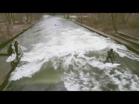 River Surfing at -1° - Munich