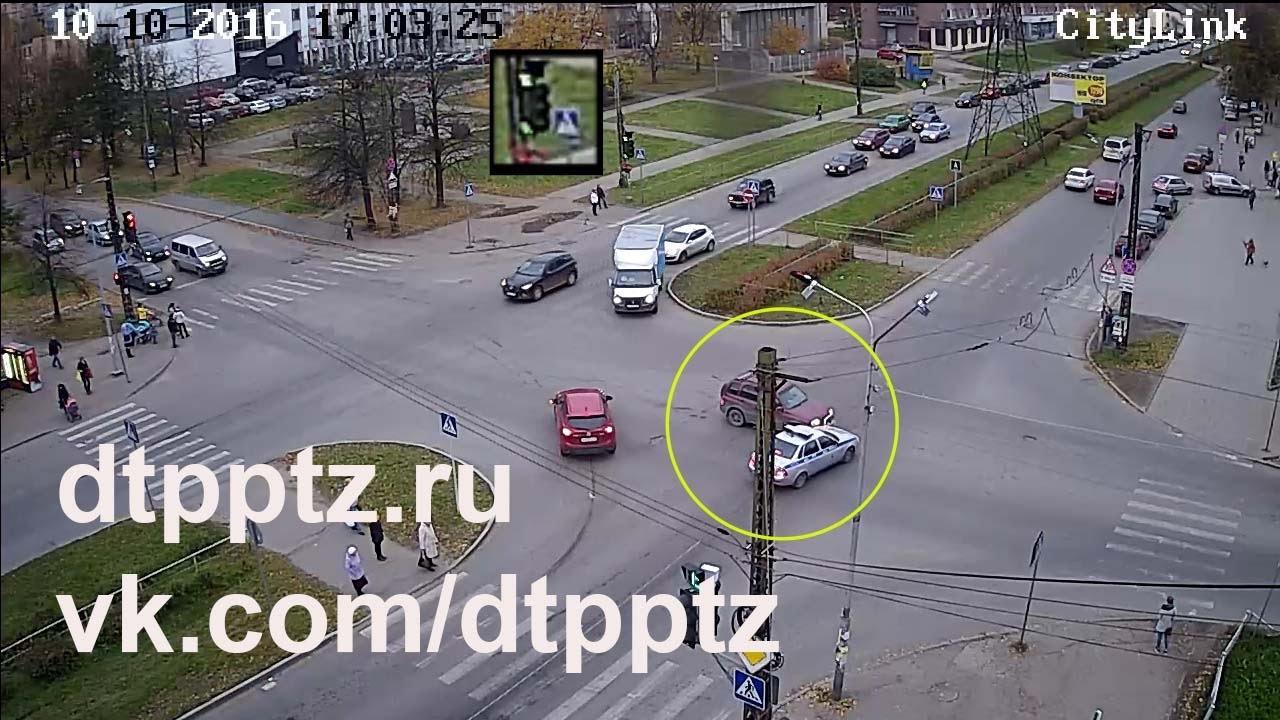Видео ДТП на проспекте Кулакова в Ставрополе 11 октября 2016