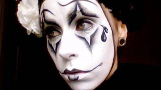 PIERROT (Sad Clown/Mime Makeup) Halloween Makeup.