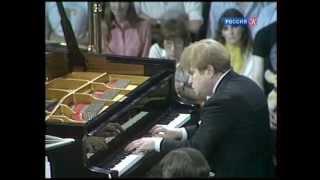 Скачать Эмиль Гилельс исполняет фортепианный концерт Грига