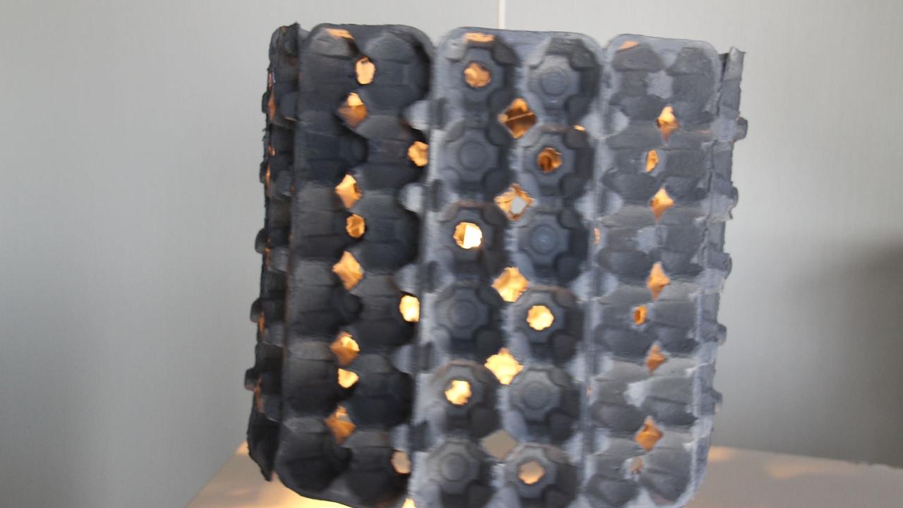 lustre en bo tes d 39 oeufs youtube. Black Bedroom Furniture Sets. Home Design Ideas