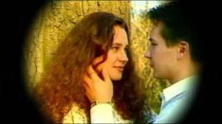 БОЖЬЯ КОРОВКА - Любовь прошла(Видео клип группы Божья коровка на песню Любовь прошла. http://www.ladybird.ru/, 2009-12-31T00:03:20.000Z)