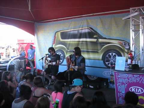 Taking Back Sunday- Best Places To Be A Mom (Acoustic)