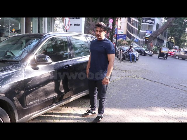 Exclusive Sidharth Shukla Snapped In Bandra