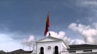 Palacio Carondelet - Plaza Independencia Quito, Ecuador - 25 Mayo Subida de Bandera y Corneta