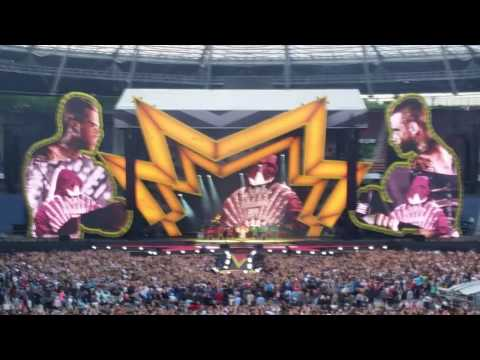 Robbie Williams Hannover 2017 intro opening-God Bless Our Robbie-The  Heavy Entertainment Show