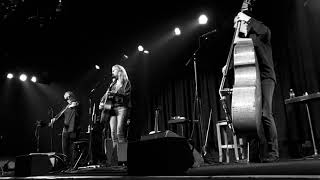 """Kathy Mattea's tribute to the late Nanci Griffith by singing """"Love at the Five & Dime"""""""
