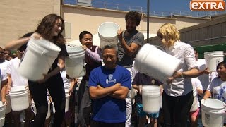'2 Broke Girls' Cast Helps WB CEO Kevin Tsujihara Take the ALS Ice Bucket Challenge
