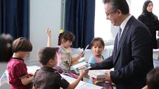 Suriyeli Öğrencilere Türkçe Ders ve Hikaye Kitapları Dağıtımı 2017 Video