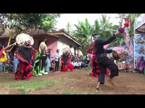 Samboyoan Turonggo Putro Banjit Kolaborasi Manggolo Putro