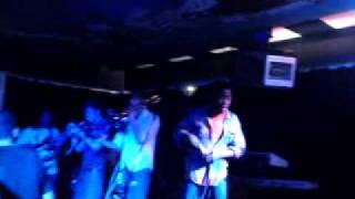 """AFRO CLUSTER """"Highway Lane Dame"""" Live"""