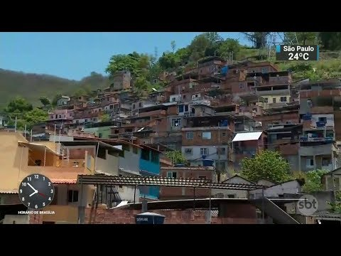 Polícia faz operação contra traficantes no Rio de Janeiro | SBT Brasil (03/11/17)