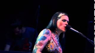 Beth Hart - Mechanical Heart (lyrics)