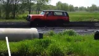 Dodge Ramcharger mud racing