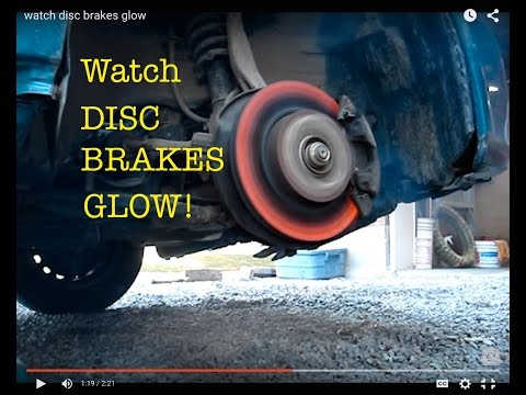 Watch ● Honda Civic Disc Brakes Glow !