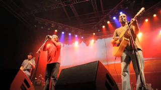"""Jack Johnson w/ Jimmy Cliff - """"The Harder They Come"""" (Live)"""