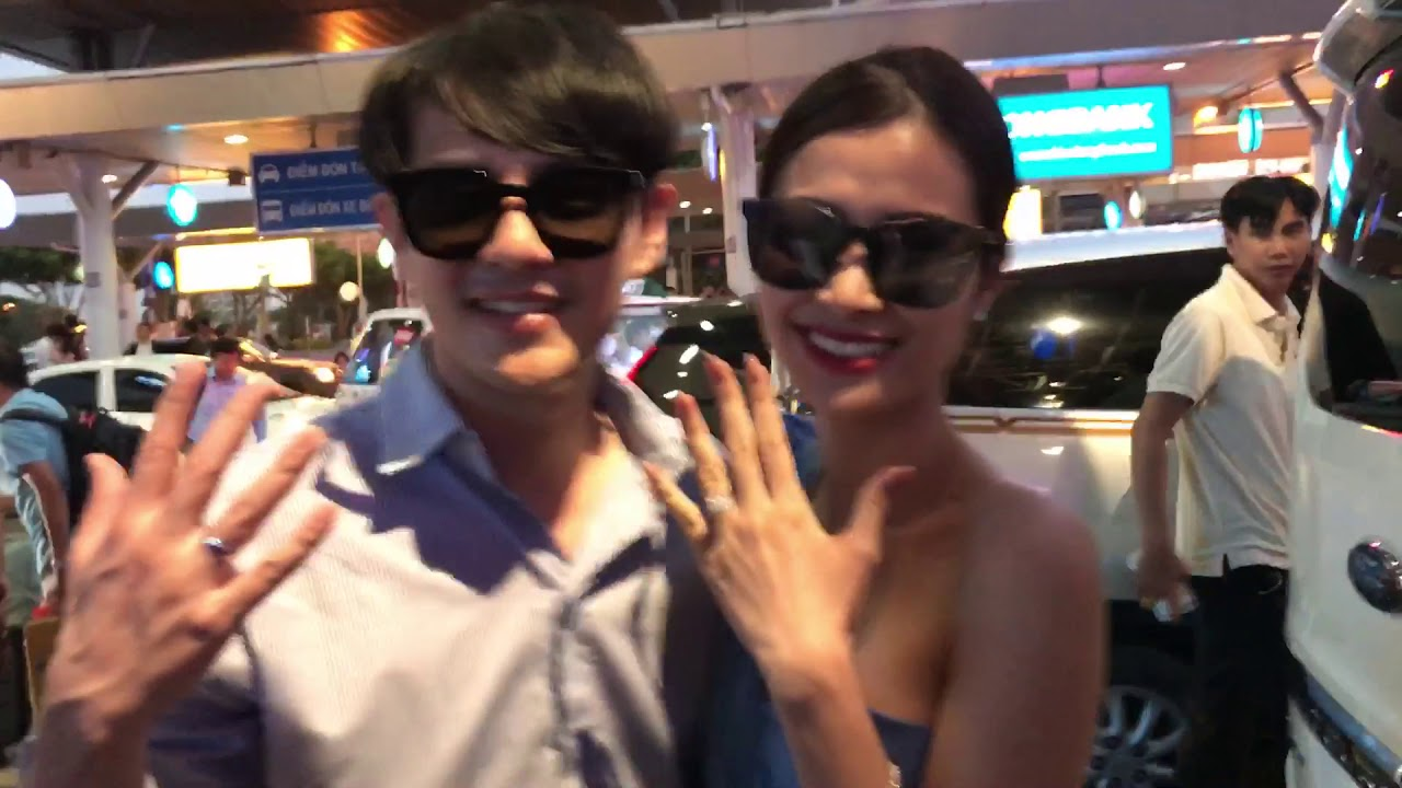 Vợ chồng Đông Nhi - Ông Cao Thắng về sân bay Sài Gòn, khoe cặp nhẫn cưới kim cương tiền tỷ