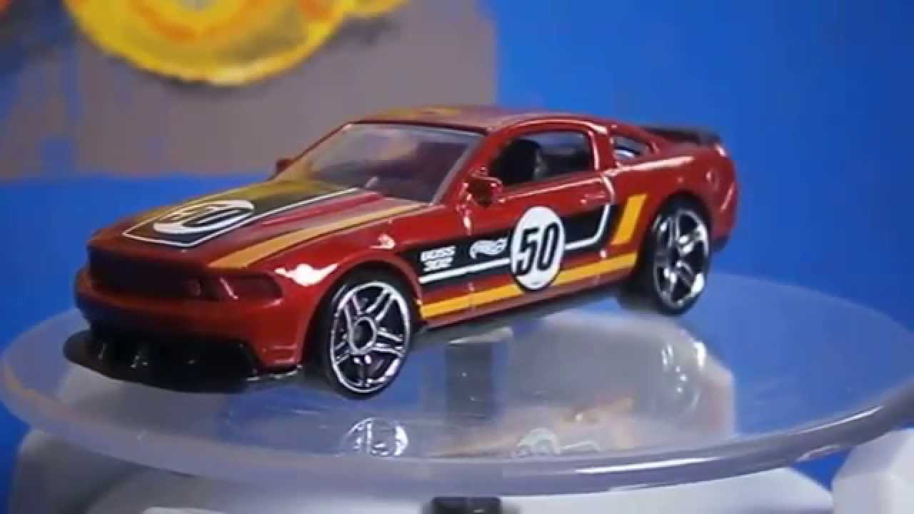 Hot wheels 12 ford mustang boss 302 laguna seca