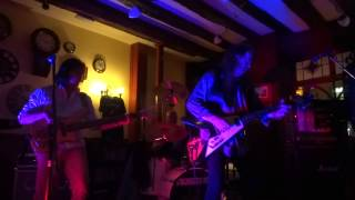 "Johnny Winter ""Mean Town Blues"" The Worried Men live @ Dick Whittington Gloucester UK"