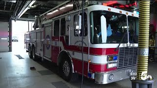 First Responders Prepare To Work Through Incoming Snowstorm