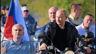 Путин приехал на байк шоу на мотоцикле Урал