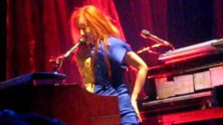Tori Amos - Strong Black Vine (Philadelphia) 2009
