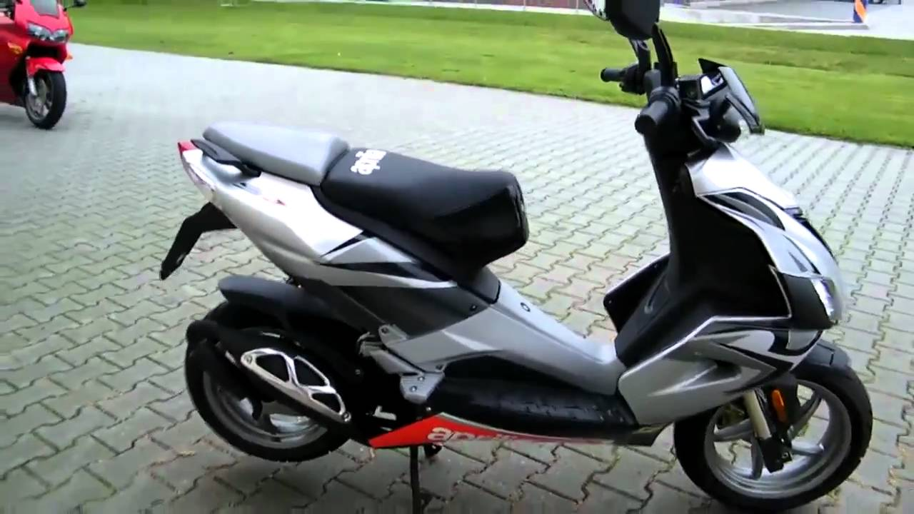 aprilia sr 50 r 2009 2010 roller scooter silber youtube. Black Bedroom Furniture Sets. Home Design Ideas