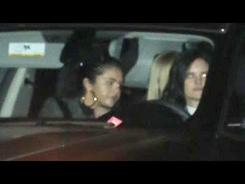 Selena Gomez Dines At Maestro's After Long Rehab - EXCLUSIVE Mp3