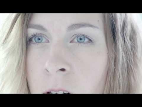 Ille - Holka ve tvý skříni (oficiální video)
