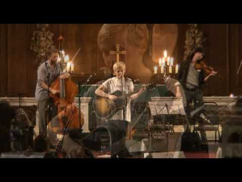 04 Laura Marling - Cross your fingers / Crawled out of the sea (live)
