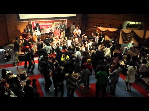 NAGOYA FESTIVAL INDONESIA 2013 - Goyang Cesar