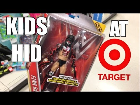 KIDS HIDE WWE FIGURES AT TARGET! EXCLUSIVE RENEE YOUNG AT TOYSRUS!