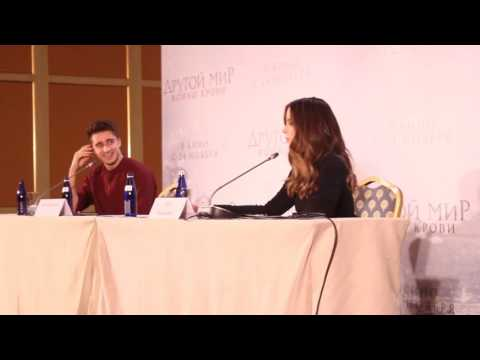 Kate Beckinsale- Press Conference in Moscow ( Video 1 )