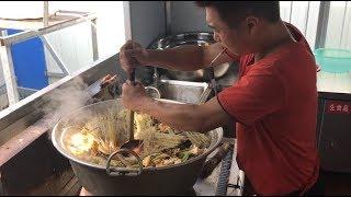 工地大锅饭:一盆大肉片炒出来的大锅菜,看着让人流口水!