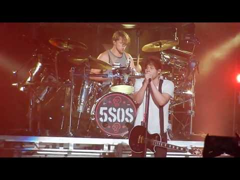 5 Seconds of Summer - Money (Jacksonville, July 20, 2016)