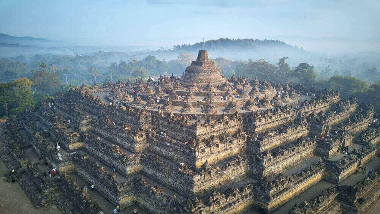 Piramida Borobudur z Indonezji